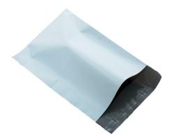 LDPE webshopzakken zwart/wit, 32x42+8 cm klep - Dubbele plakstrip - 30 stuks